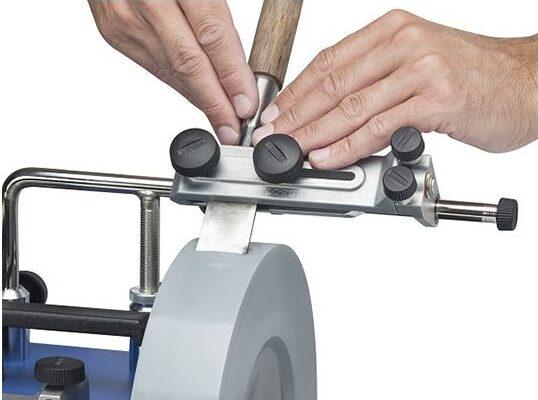 vässa dina verktyg med en våtslipmaskin